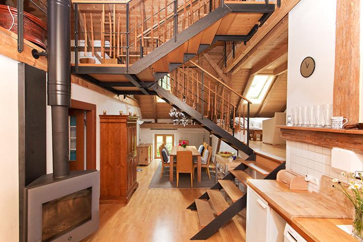 seminarraum tagungshaus in landsberg am lech unterdie en au ergew hnliche seminar wohnung. Black Bedroom Furniture Sets. Home Design Ideas