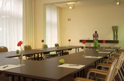 seminarhotel tagungshotel in k ln hotel friends k ln konferenzhotel. Black Bedroom Furniture Sets. Home Design Ideas