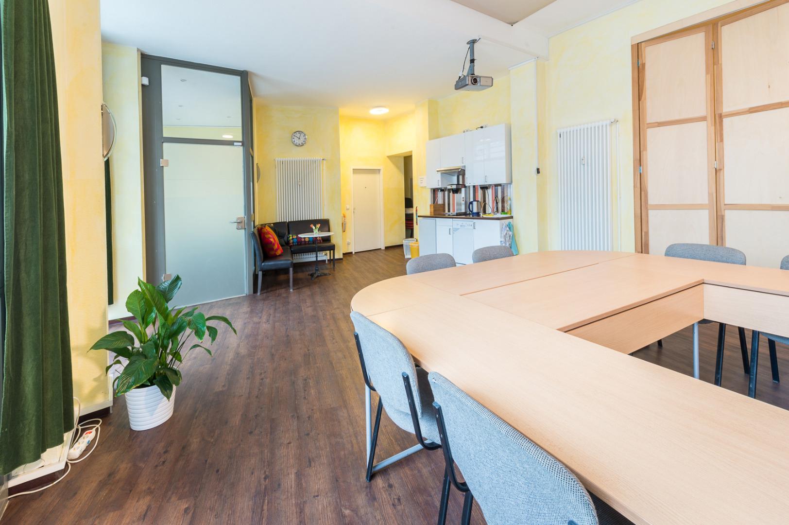 seminarraum tagungsraum in berlin seminar und veranstaltungsr ume in mitte. Black Bedroom Furniture Sets. Home Design Ideas