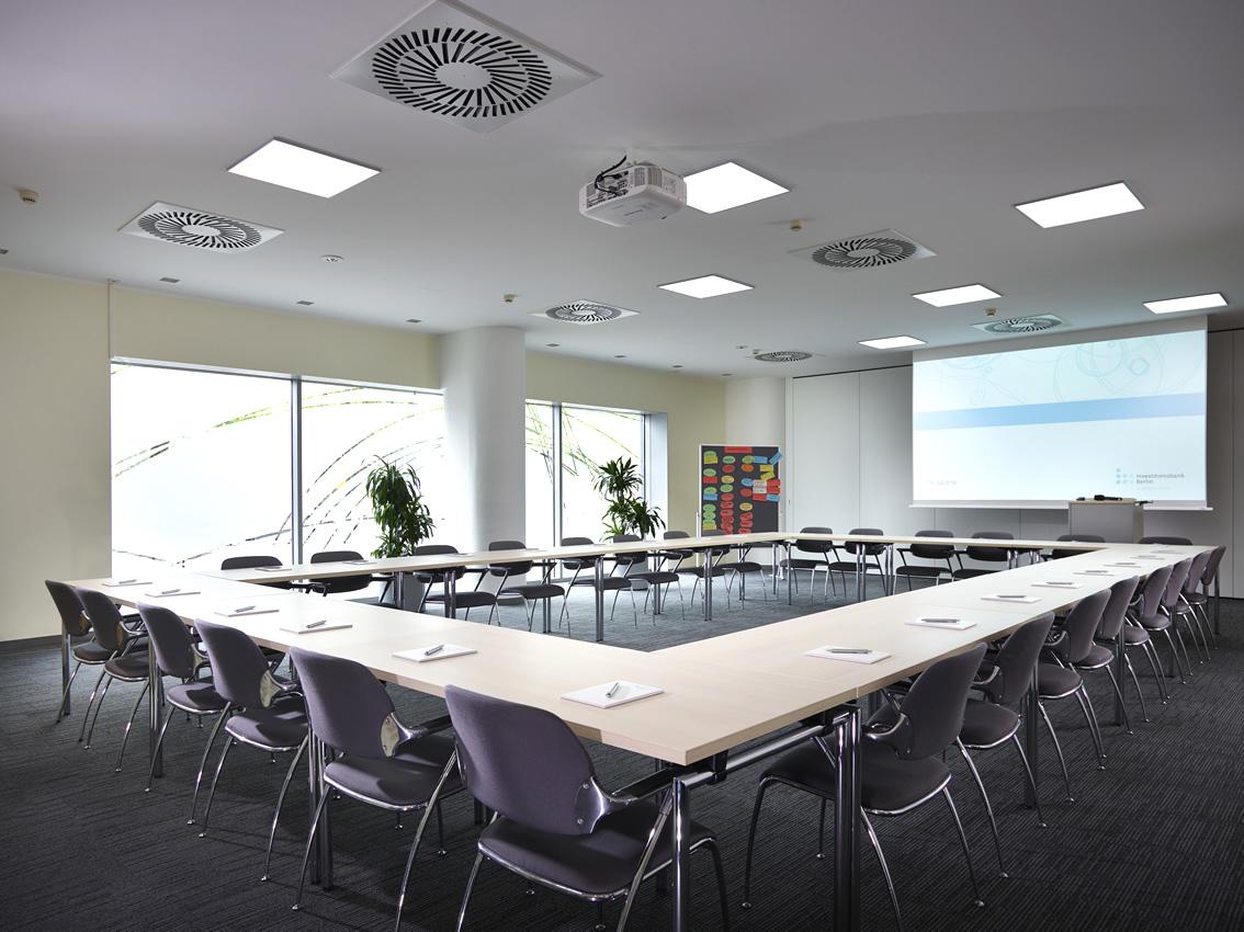 seminarraum tagungsraum in berlin investitionsbank berlin seminarr ume in der city west. Black Bedroom Furniture Sets. Home Design Ideas